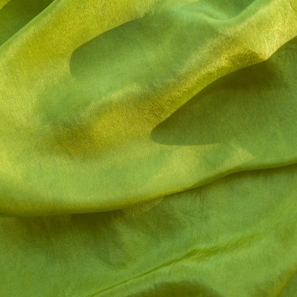 Foulard soie teinture naturelle gaude pastel 11 c pelure d 39 0ignon - Teinture tissus naturelle ...