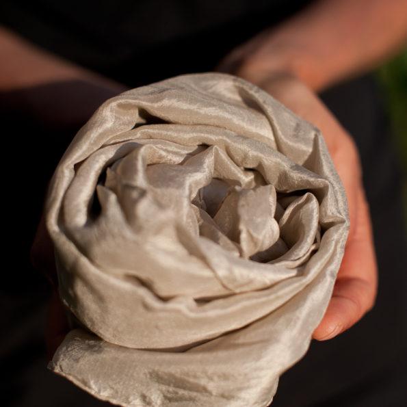 Foulard en soie Gris argent
