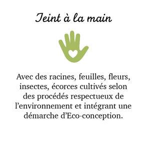 Teint à la main.